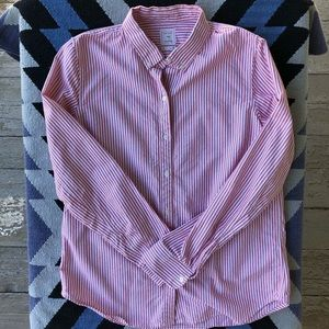 Gap - red and white fitted boyfriend button down